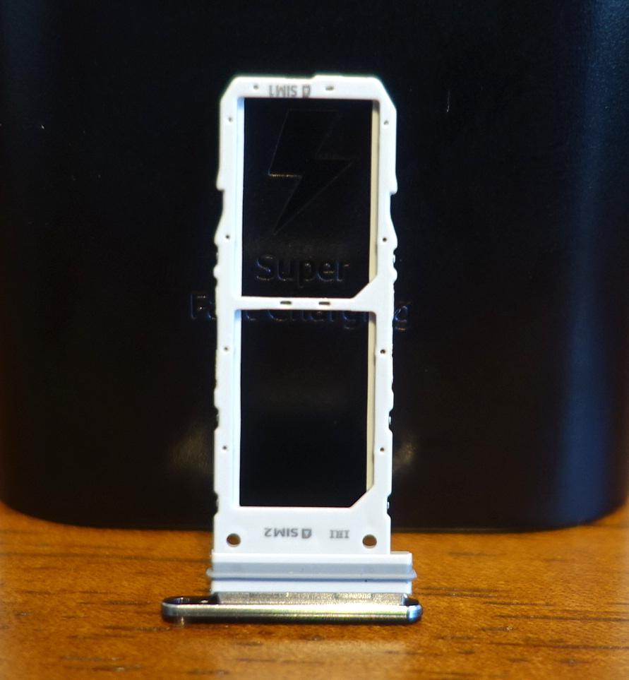 Galaxy Note10 SIMトレイの画像
