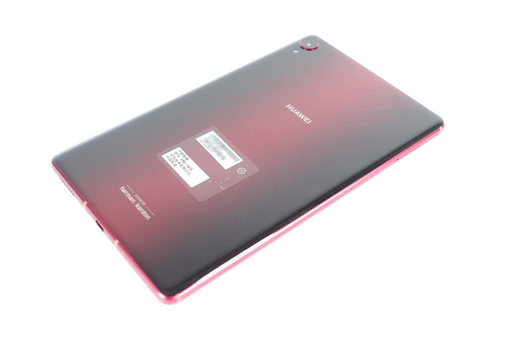 HUAWEI Media Pad M6 Plusの外観「背面」