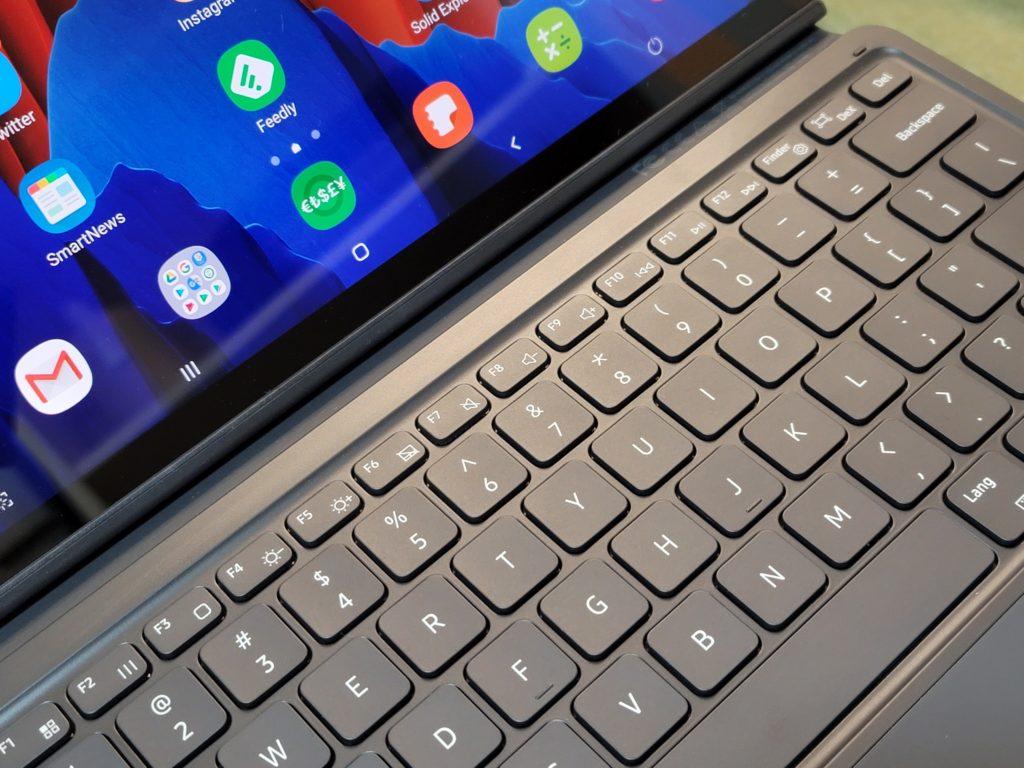iPad Pro 12.9とGalaxy Tab S7+を比較